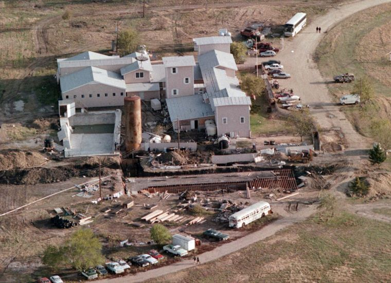 branch davidians the american religious movement in the 1990 The branch davidians originated in 1955 from a schism among the shepherd's rod/davidians, which stemmed from seventh-day adventist teachings  who died in 1990 the movement.