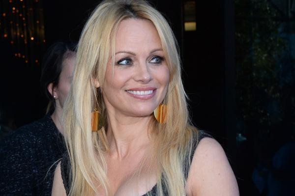 Pamela-Anderson-not-obsessed-with-looking-younger
