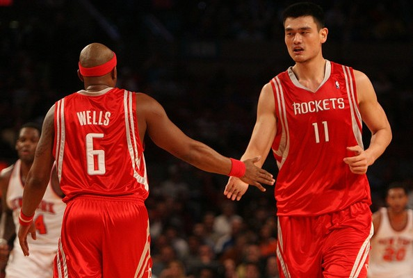 Yao+Ming+Bonzi+Wells+Houston+Rockets+v+New+a2P-t5-X8NDl-594x400