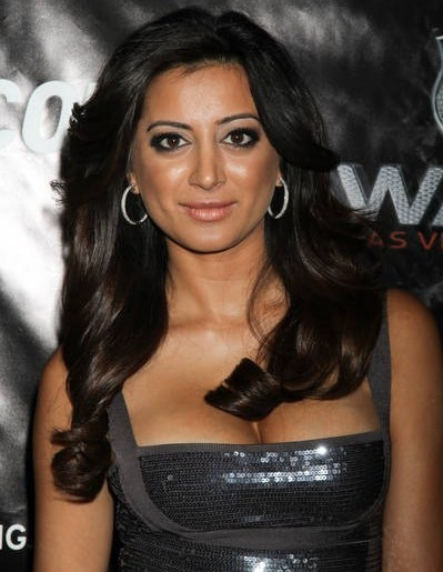 noureen-dewulf-nhl-awards-2010-4-e1357605679374 then