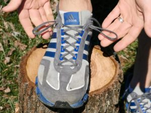 This is the right way to tie your running shoes